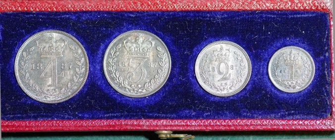 1887 Maundy Set In Case